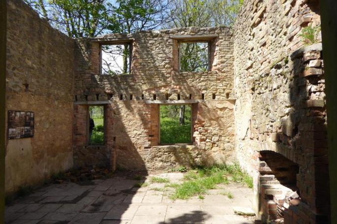 new_tyneham_ruins3
